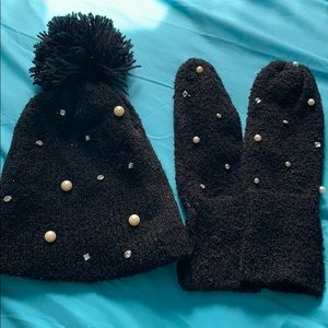Accessories - HAT & MITTENS COMBO